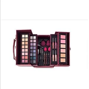 Glam & Glow 53 Piece Collection